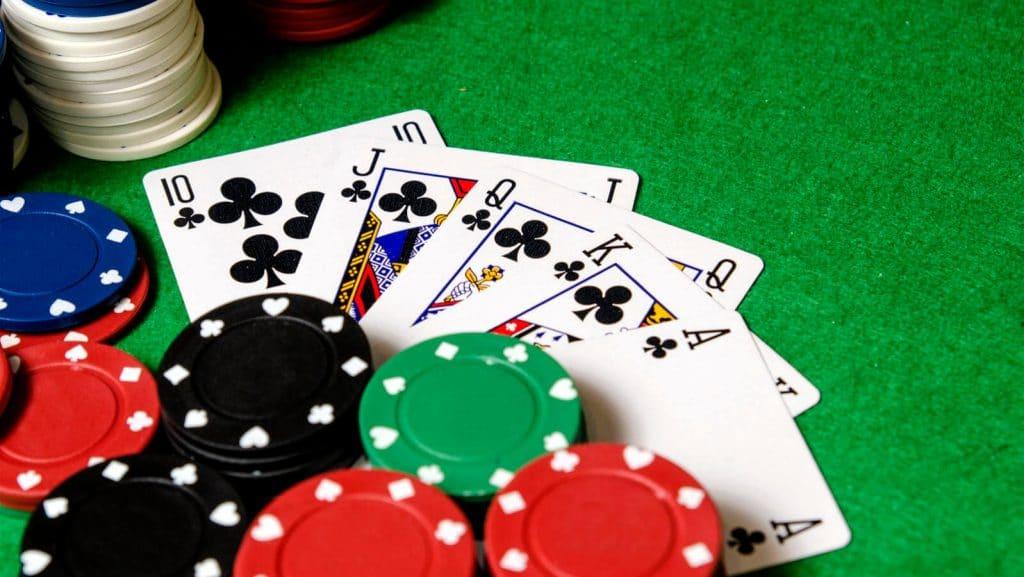 întrebări cu privire la poker-ul online